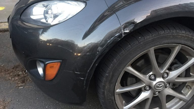 How a Dashcam helps if your car gets hit while parked